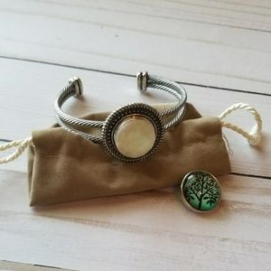 Jewelry - ***Silver Bracelet with interchangeable Buttons
